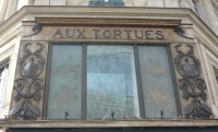 (Magasin « Aux Tortues »)
